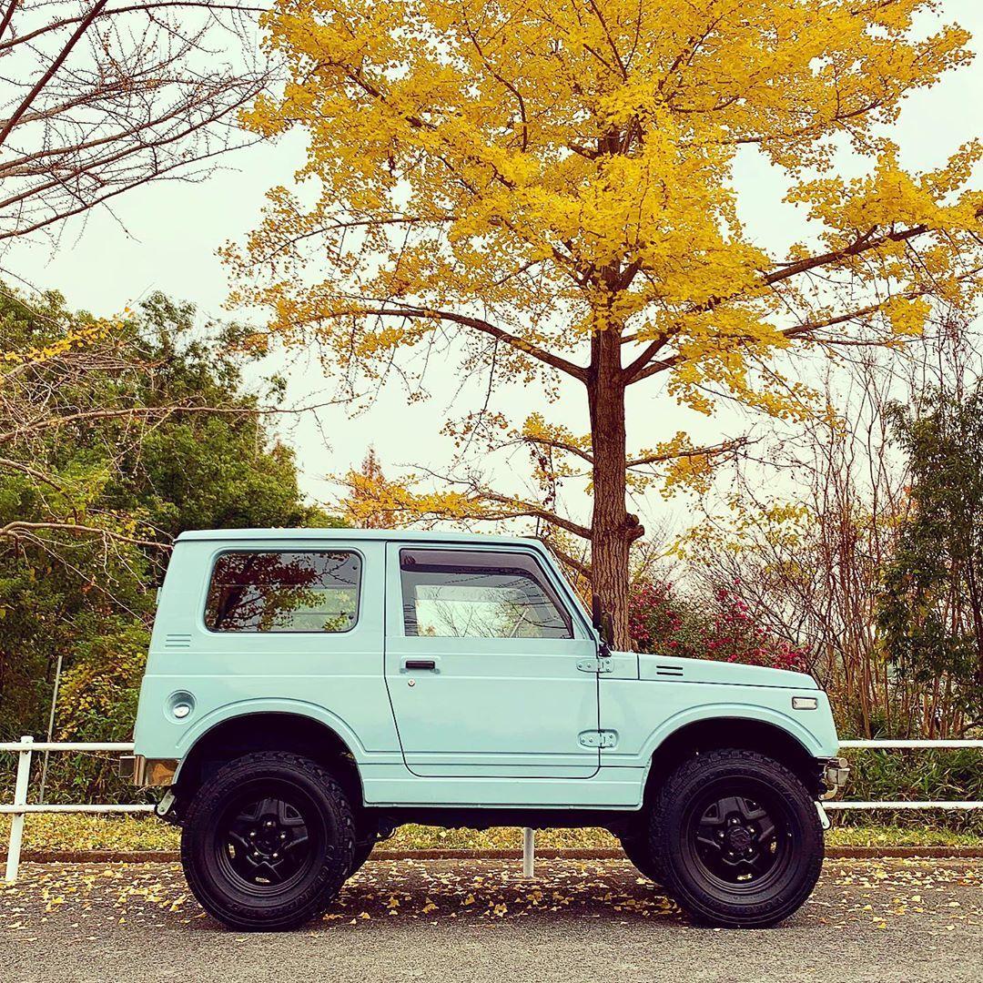 Toru On Instagram おはようございます 今日明日の天気は今ひとつのようですね 休みなのに いつもの場所もそろそろ全散りか Jimny ジムニー Ja11 アイスブルー Jimkentac コンプリート車 リアルレトロ 鉄ホイール ジオ Instagram Suv Car Car
