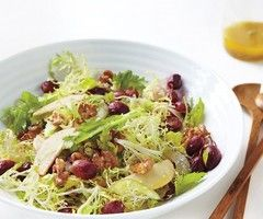 Mixed Greens with Grapes, Walnuts, and Apple Slices