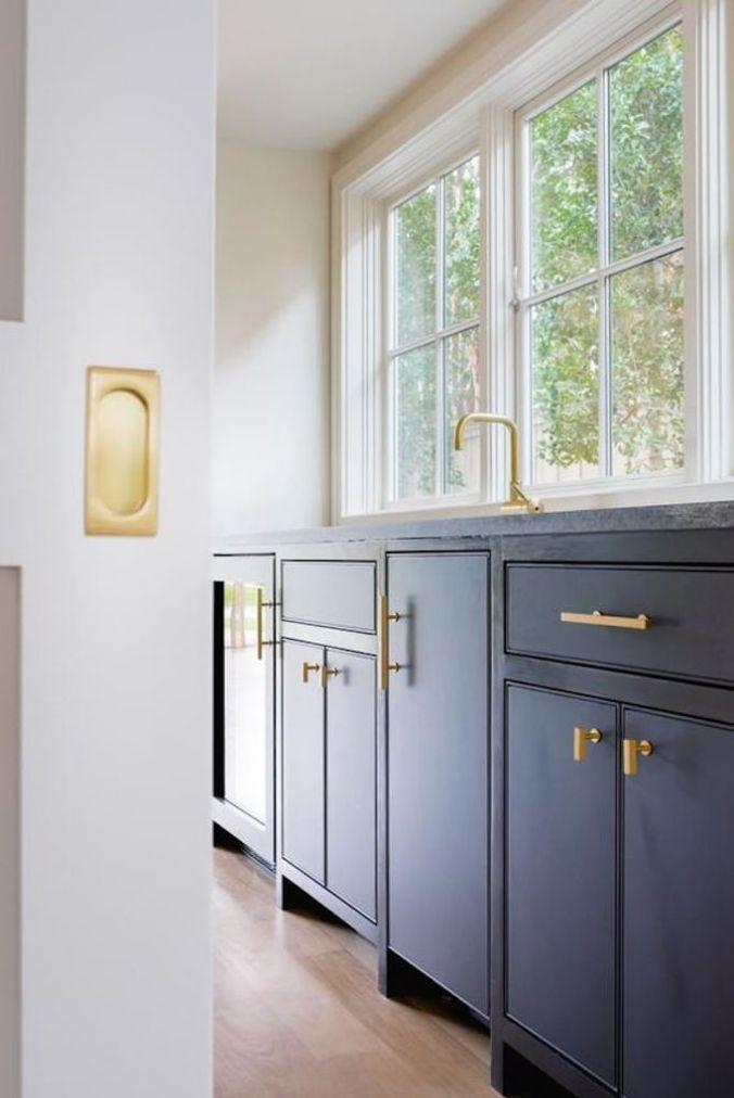 Design Trend 2018: Flat Front CabinetryBECKI OWENS