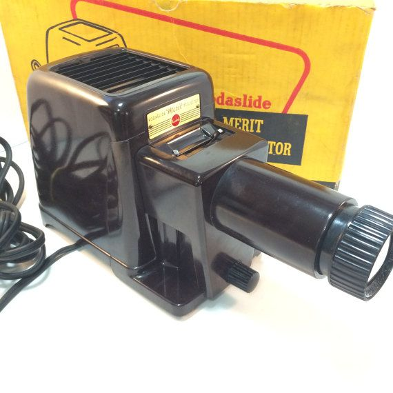 Kodak Kodaslide Merit Bakelite Slide Projector With Original Box