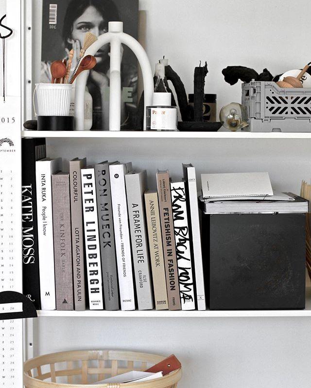 Shelfie// #shelfie #fotografiska  #interior #interiør #interiordesign #shelves #scandinavian #homesweethome #books #serax #asplund #postitfortheaesthetic