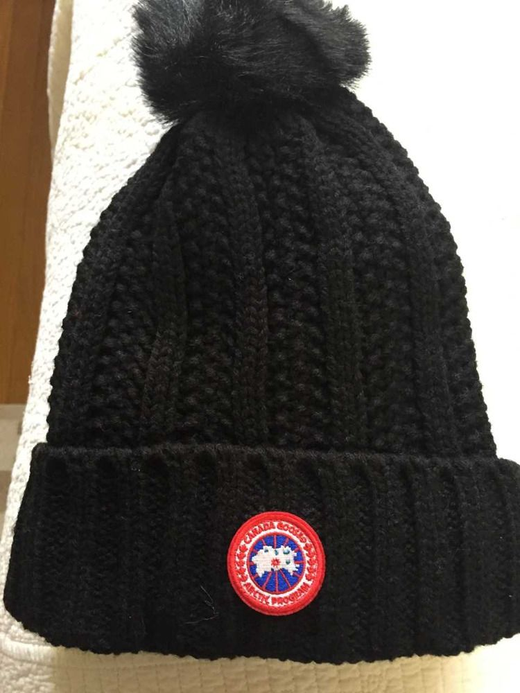 3da96d2df8a Canada Goose Womens Solid Ribbed Fleece Lined Winter Beanie Hat With Pom Pom   fashion