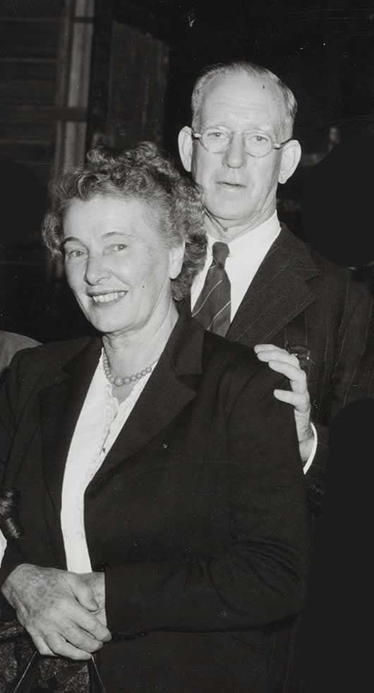Theodore & Marelle Flynn in 1954 - Errol Flynn's parents ...