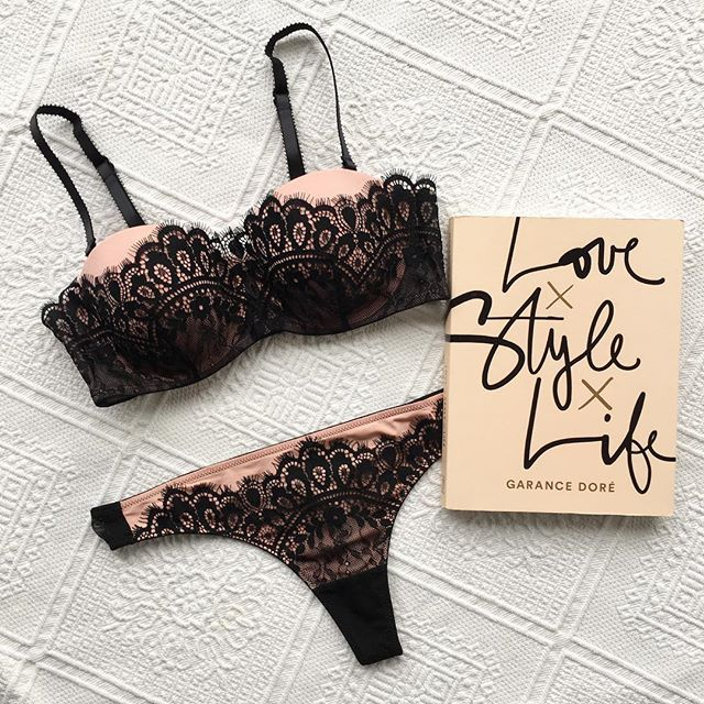 Hunkemoller - Oh la lace?? What do you think of this set called Dorothy? ONLY TODAY free shipping in all countries as of �20 #braparty #musthaves #shopping