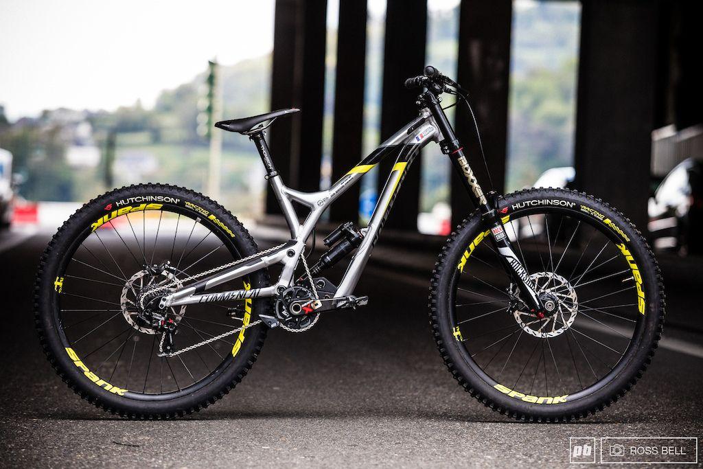Myriam Nicole S Commencal Supreme Dh V4 2 Bike Check Bike
