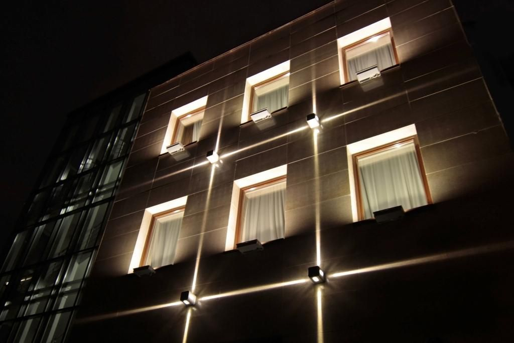 Architectural lighting of the office building facade - Exterior architectural led lighting ...