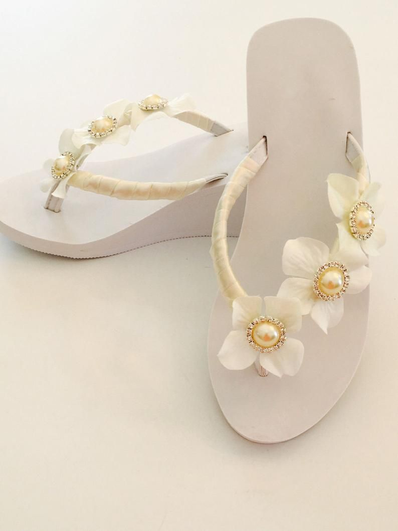 White Sandal White Flip Flop Flat Sandals Woman Flip Flop Decorated Sandals Bridal Flip Flops Wedding Flip Flops Gold Beach Sandals