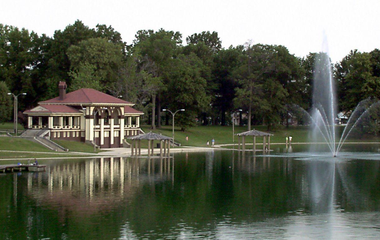 Carondelet park in st louis boat house missouri