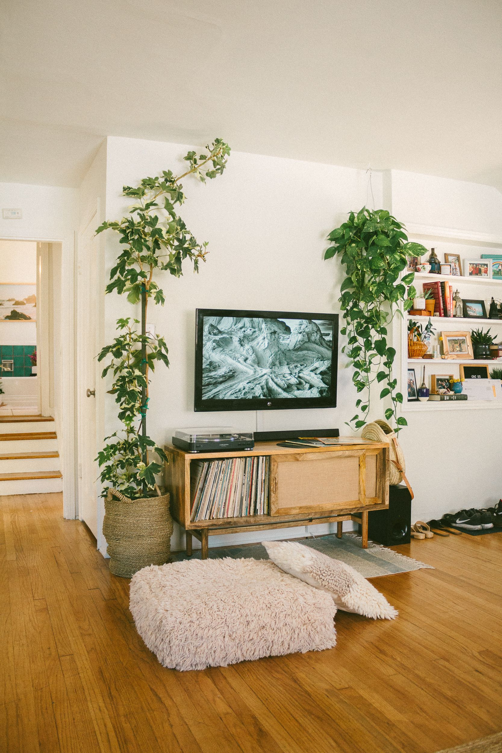 8 Tv Wall Design Ideas For Your Living Room: Before & After: How To Transform Your TV Wall