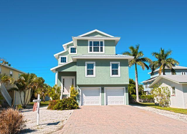 Pelican Villa, 214 Magnolia Avenue, Anna Maria, Fl. 34216