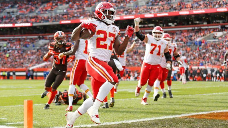NFL suspends Browns' Kareem Hunt 8 games for 'altercations