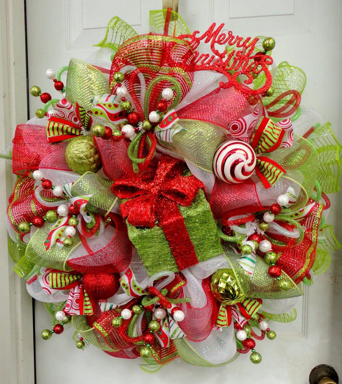 17 Whimsical Handmade Christmas Wreath Designs For