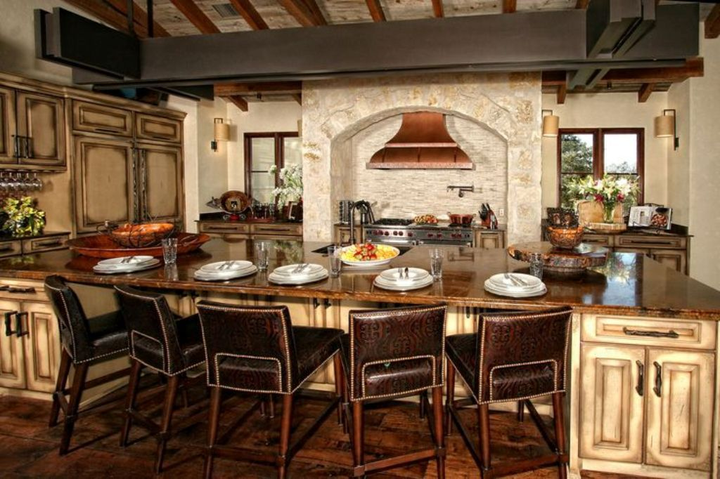 Elegant Kitchen Island Design With Exclusive Leather Chairs For