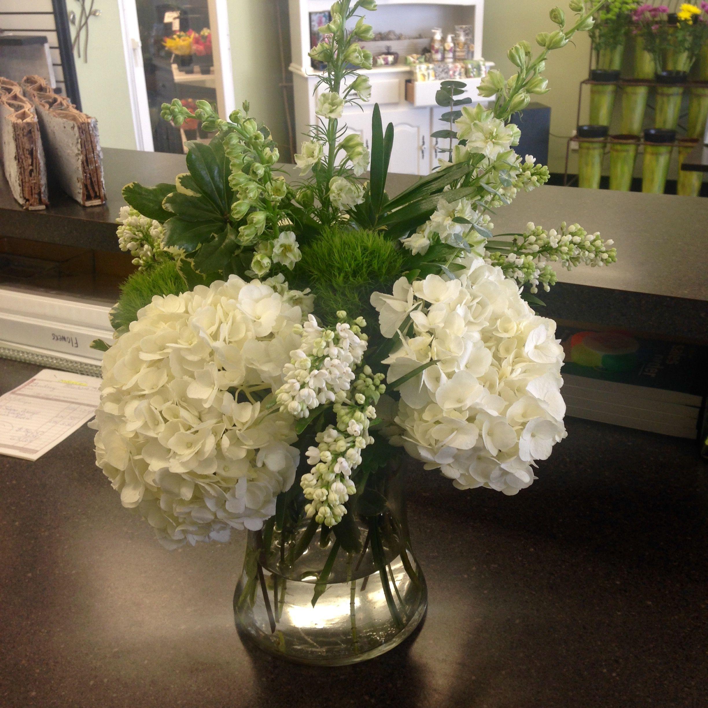 Beautiful Bouquet Made By J S Fresh Flower Market In Grand Rapids Mi 616 447 0381 Flower Market Beautiful Bouquet