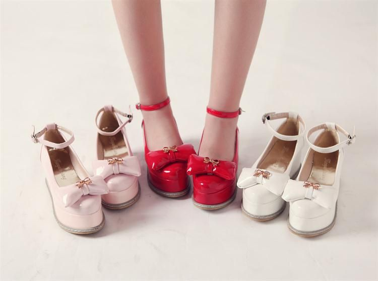 Platform shoes with bow. Colors: black, red, pink,...