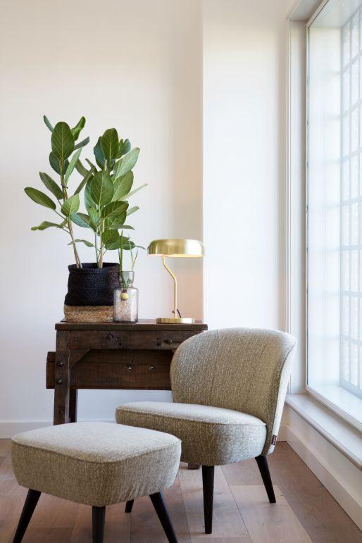 Fauteuil in vintage-look met voetenbankje   Living spaces and Spaces