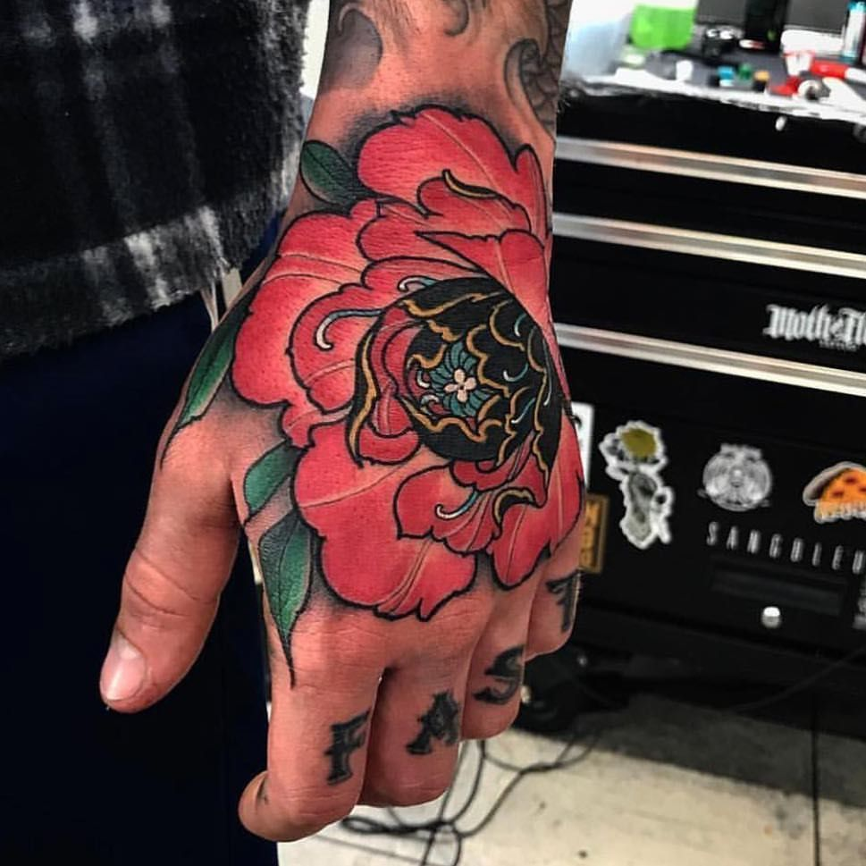 Pin by // on tatto Traditional hand tattoo, Japanese