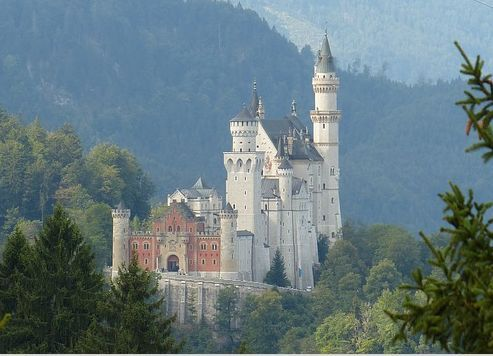 Stunning Pictures Of Castles Neuschwanstein Castle Schloss Neuschwanstein Is Known All Over The Neuschwanstein Castle Castle Pictures Germany Castles