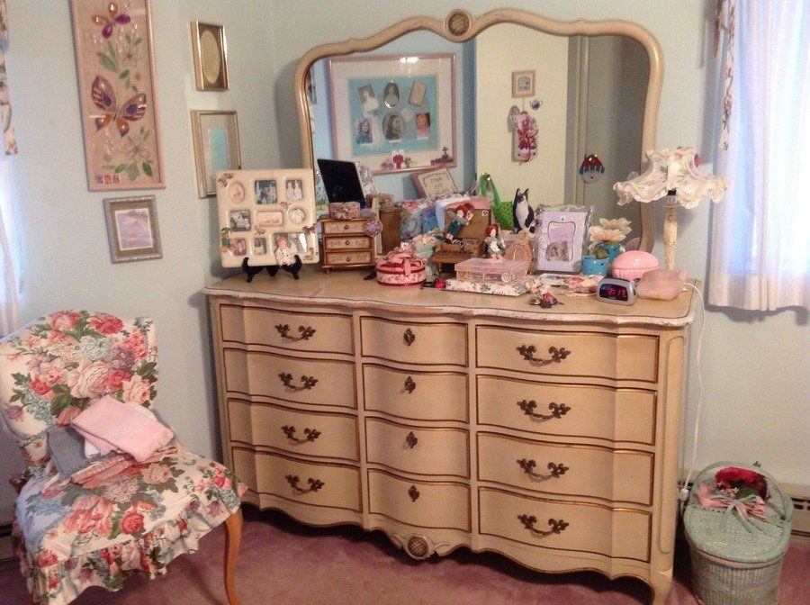 Sears 1978 Dixie White French Provincial canopy bed