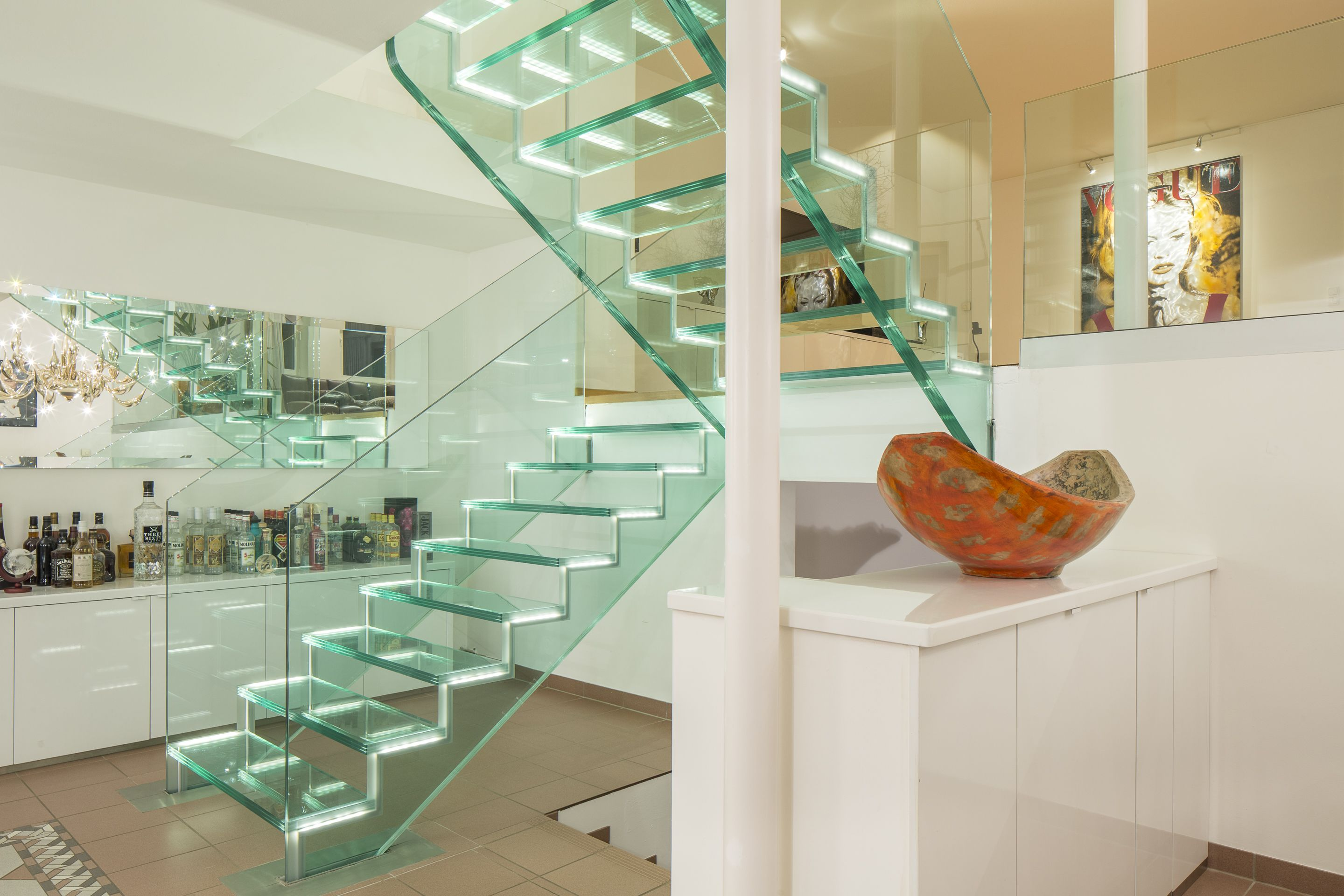 Stair 100% Glass, No Stainless Steel Hardware, Treads Light Up With LED,