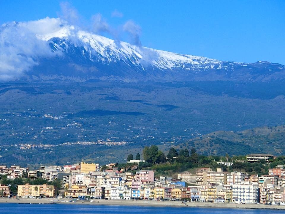 Taormina Arte La Distanza Della Luna Sicily Travel Sicily