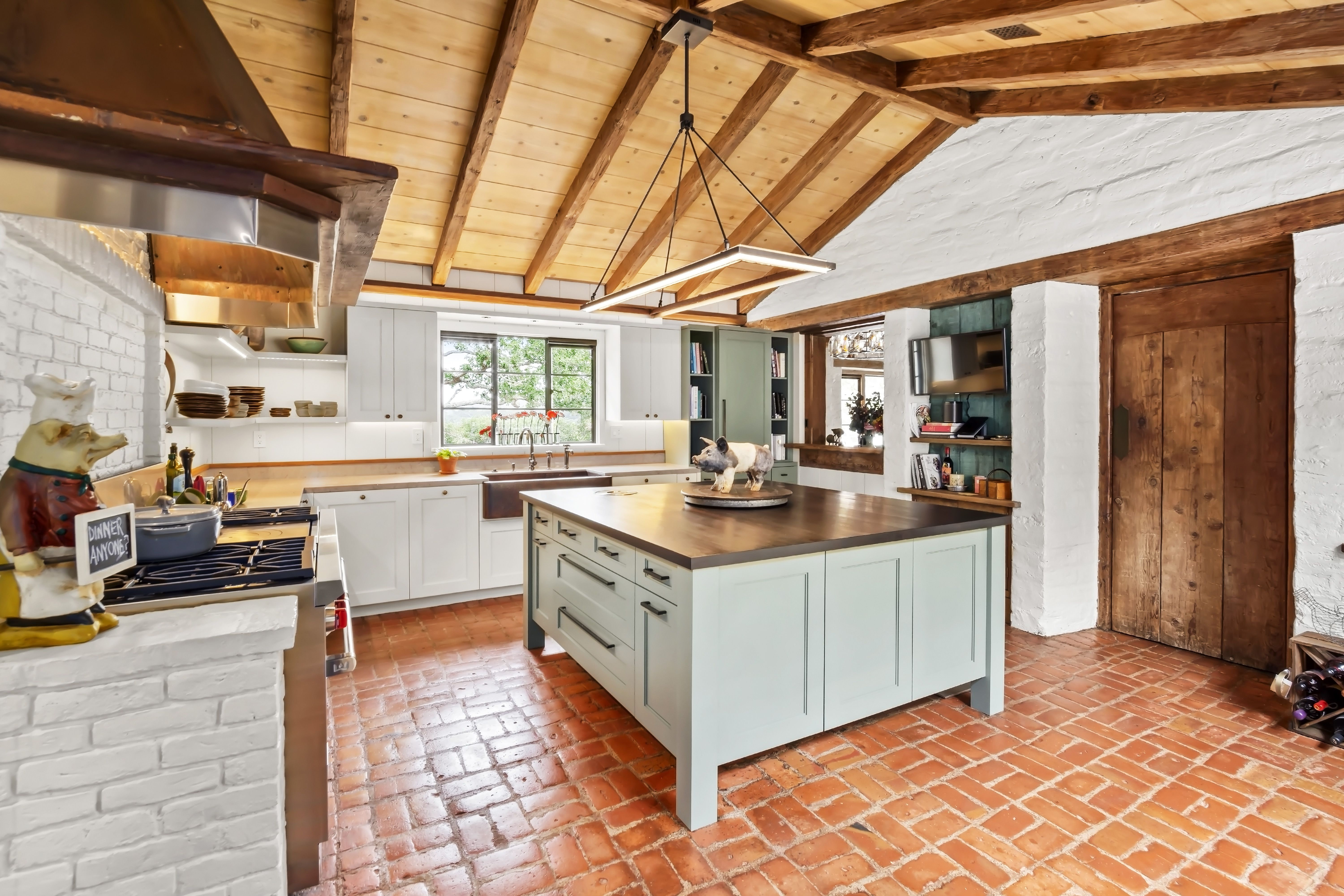 Comstock Adobe Kitchen By Studio Draper Dbs Custom Cabinetry With Spevka Wood Top On The Island