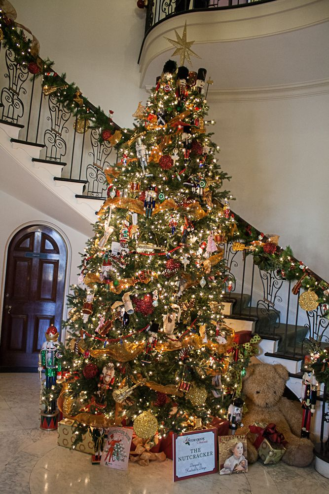 The Nutcracker Tree At Cheekwood Christmas Tree Themes Classic Christmas Tree Christmas