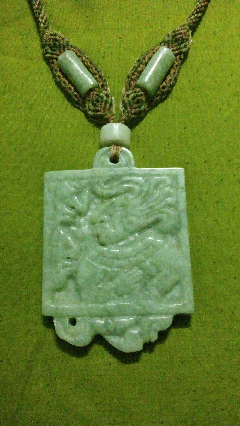 Pectorales de jade maya