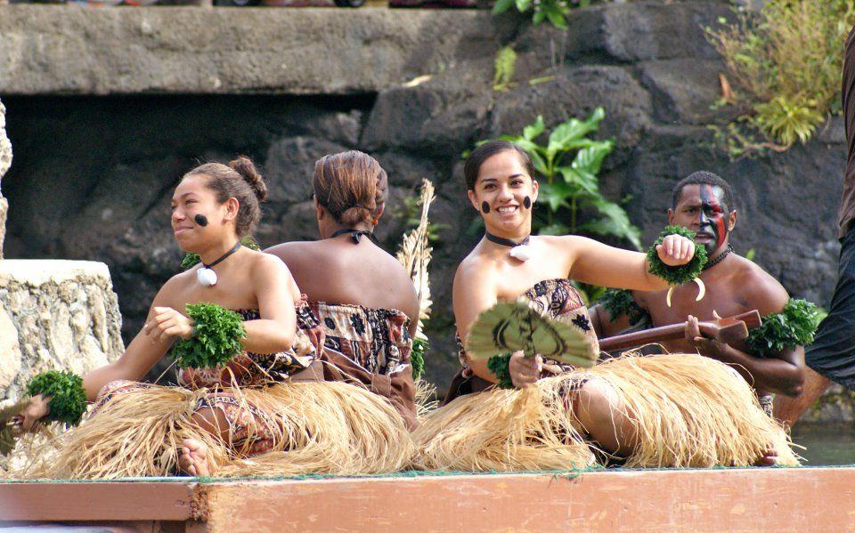 Fijian sitting dance (Meke) | I am Pasifika! | Fiji islands, Society