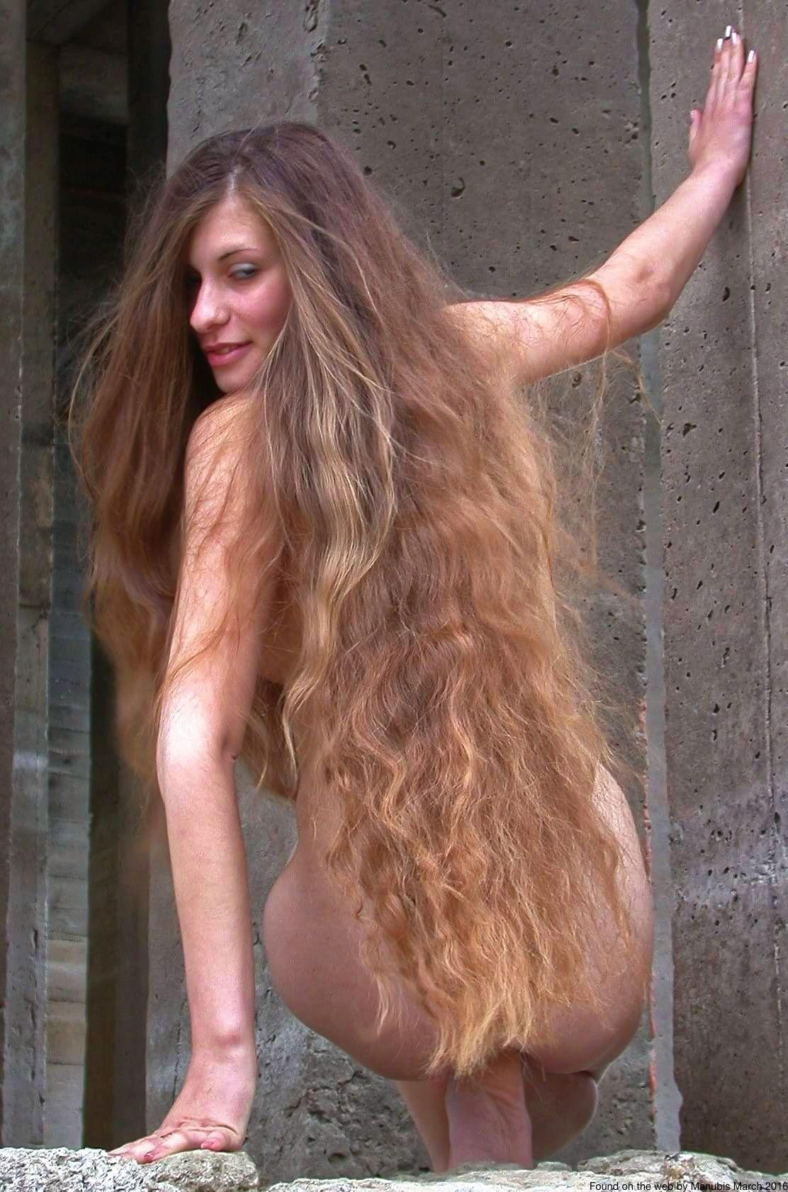 Long Hair Naked Girls