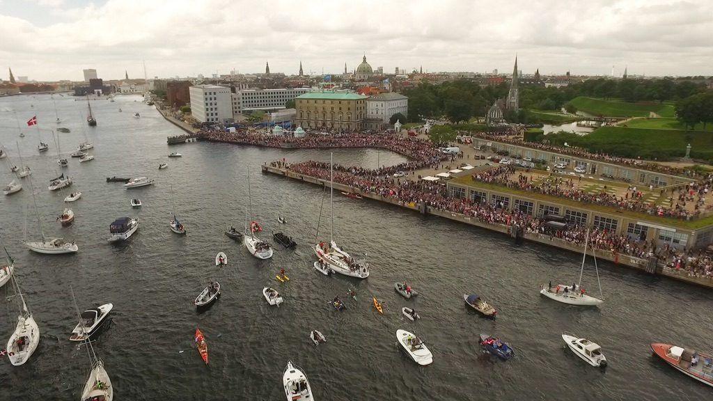 Hjemkomsten til København var overvældende. Tusindvis af mennesker var mødt op for at tage imod.