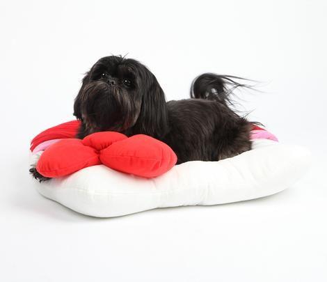 Hello Kitty Pet Bed: Little Snug