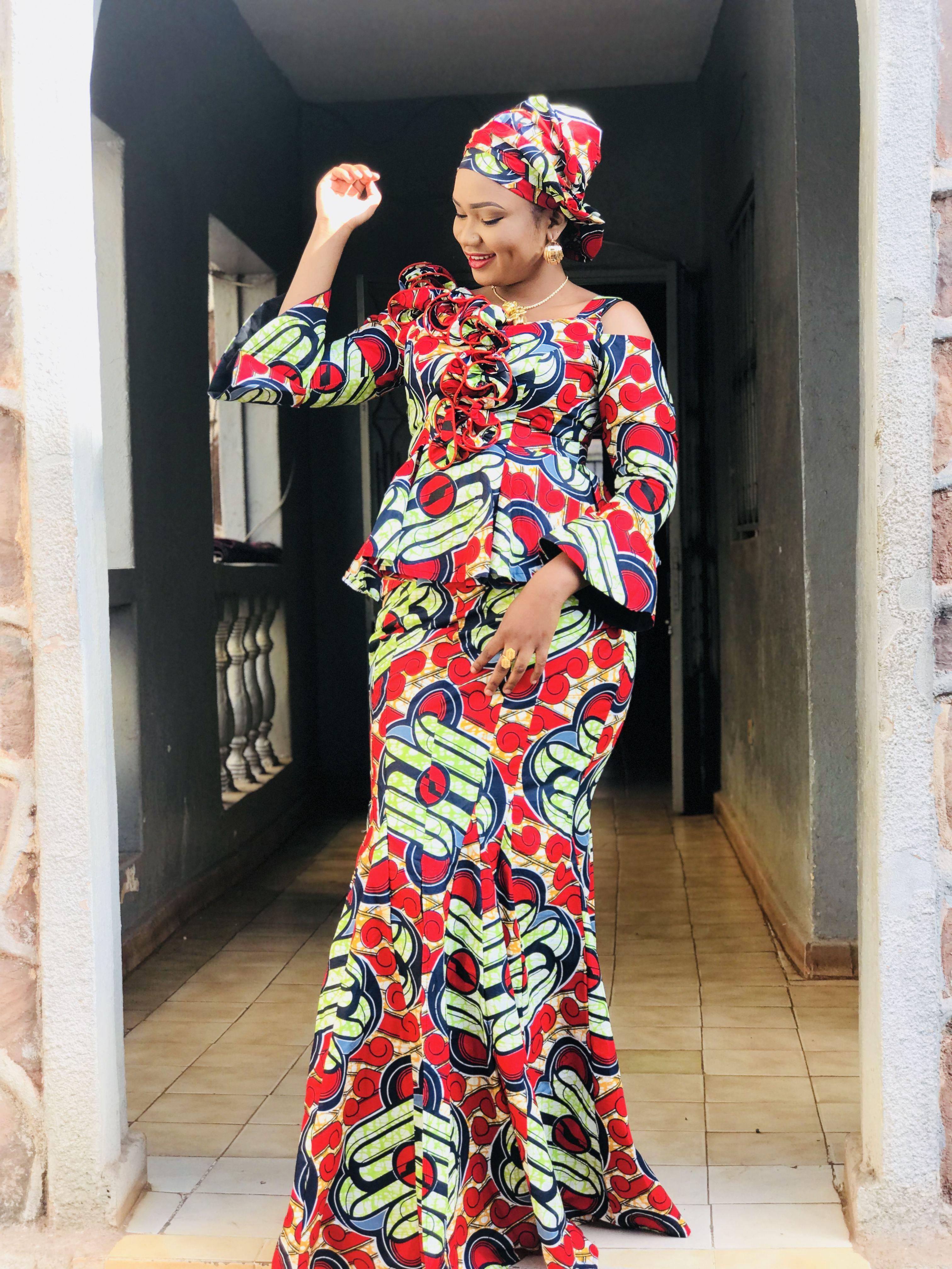 Épinglé sur Modèles Différents Pagnes Africains