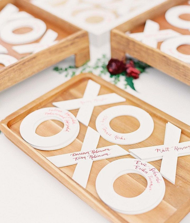XO wooden escort cards #weddingideas #escortcards #xo #xoideas
