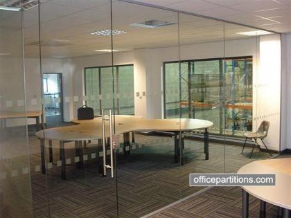 Fg 22 Single Glazed Frameless Glass Meeting Room With Glass Door