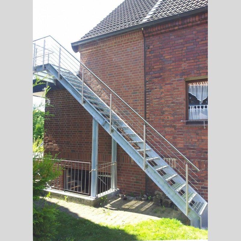 Unterschiedlich Stahltreppe (Aussentreppe) mit Gitterroststufen und   Treppe  IW69