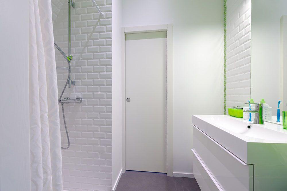 Metrotegels In Badkamer : Witte badkamer. simpele witte badkamer with witte badkamer. trendy