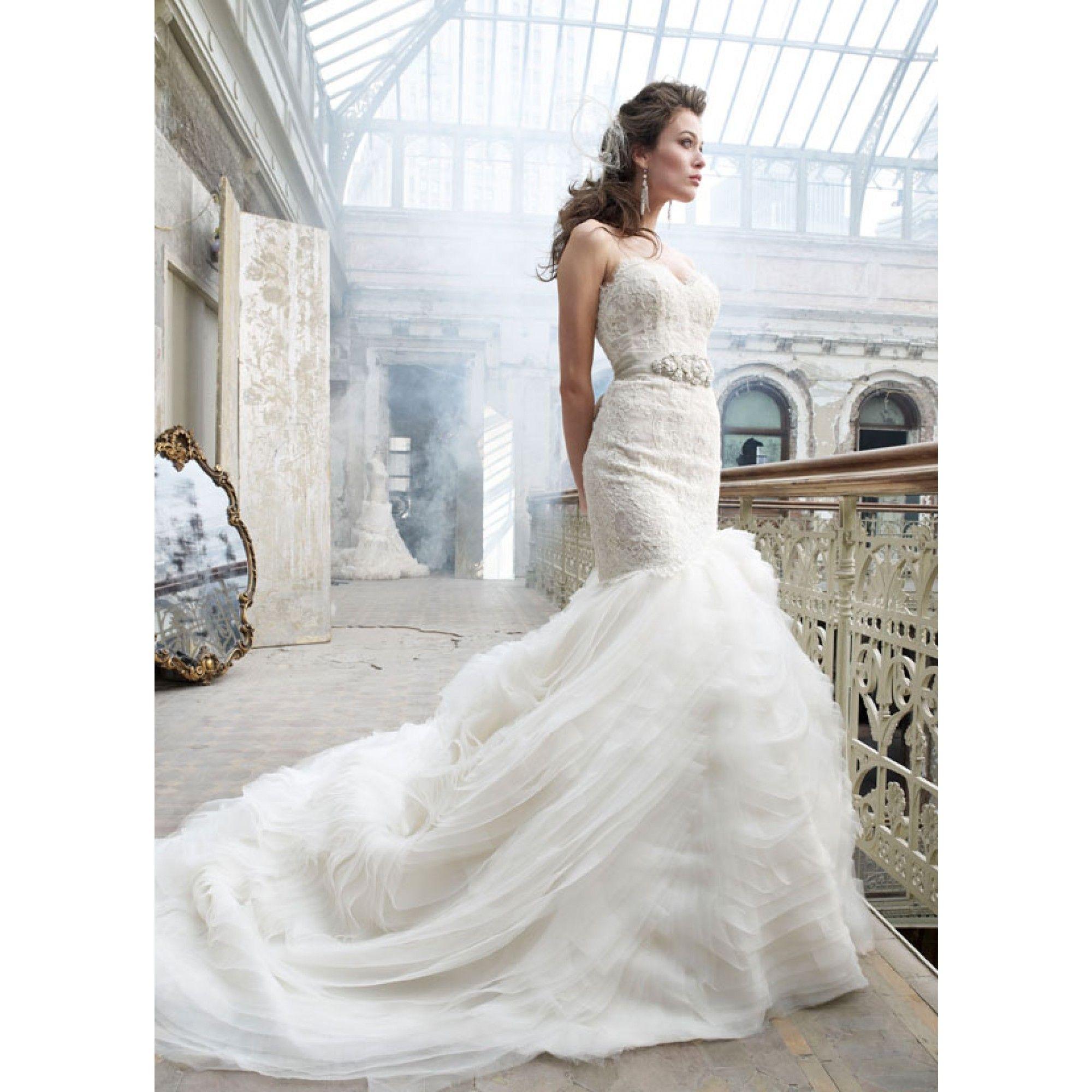 Lazaro Sweetheart Mermaid Gown In Organza Lazaro Wedding Dress Wedding Dresses Lazaro Bridal Gown