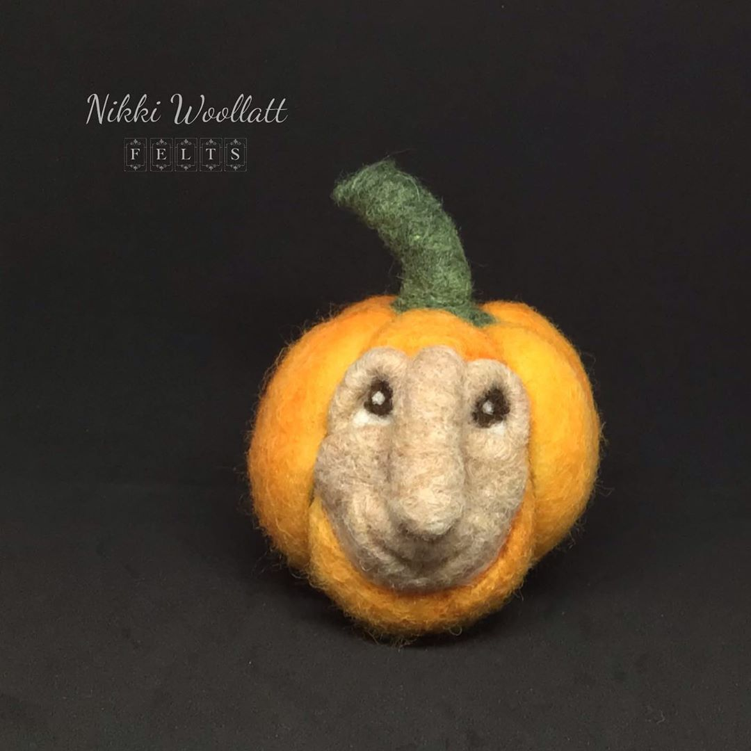 "Nikki Woollatt Felts on Instagram: ""Another ugly mug pumpkin has joined his mate in the shop! 🎃 Link in bio. #needlefelt #pumpkin #fibreart #halloween #halloweendecor #autumn…"""