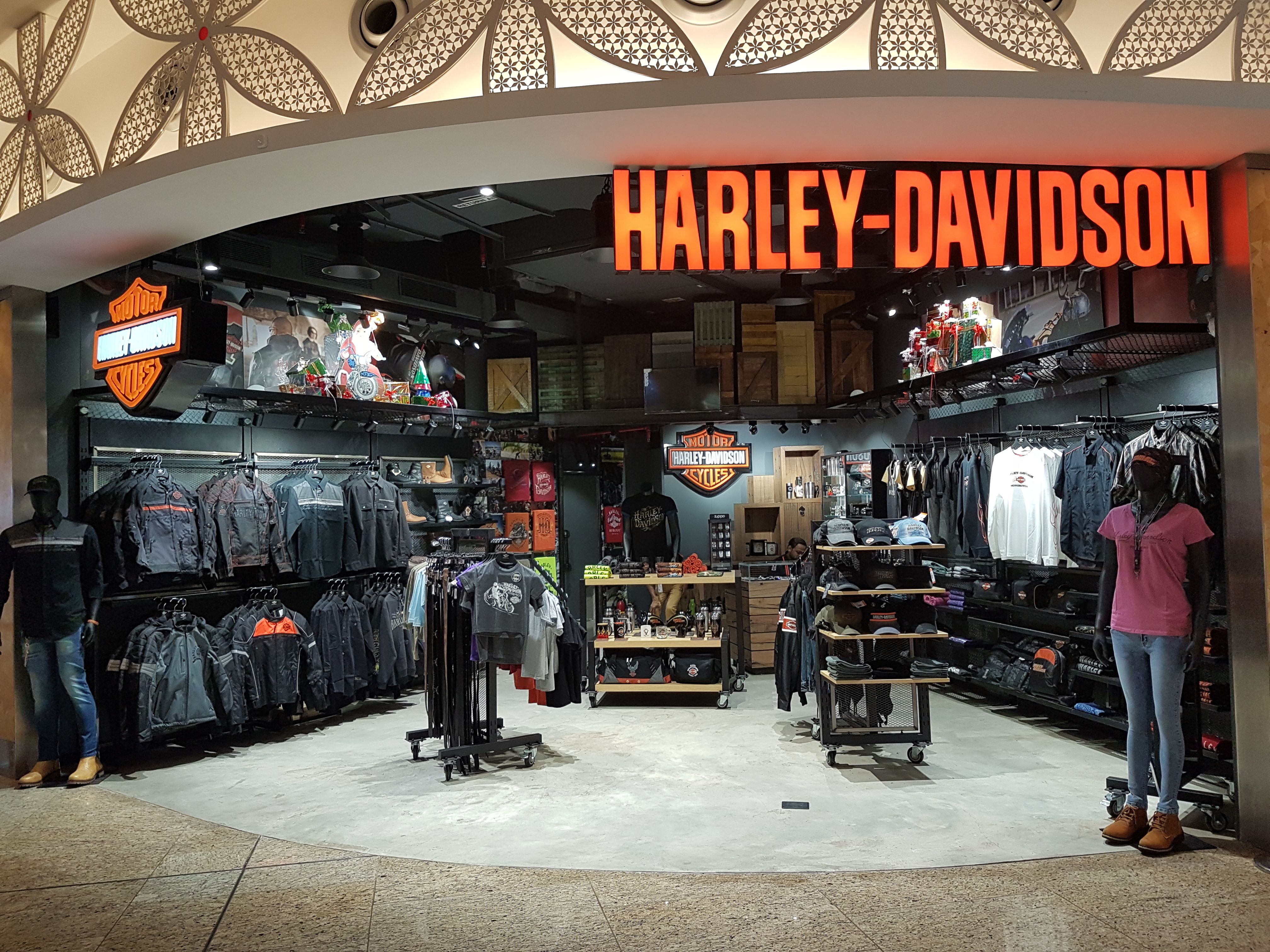 Condensed Concept Of Harley Davidson At T2 Terminal Mumbai Airport Mumbai Airport Shopping Destinations Harley Davidson