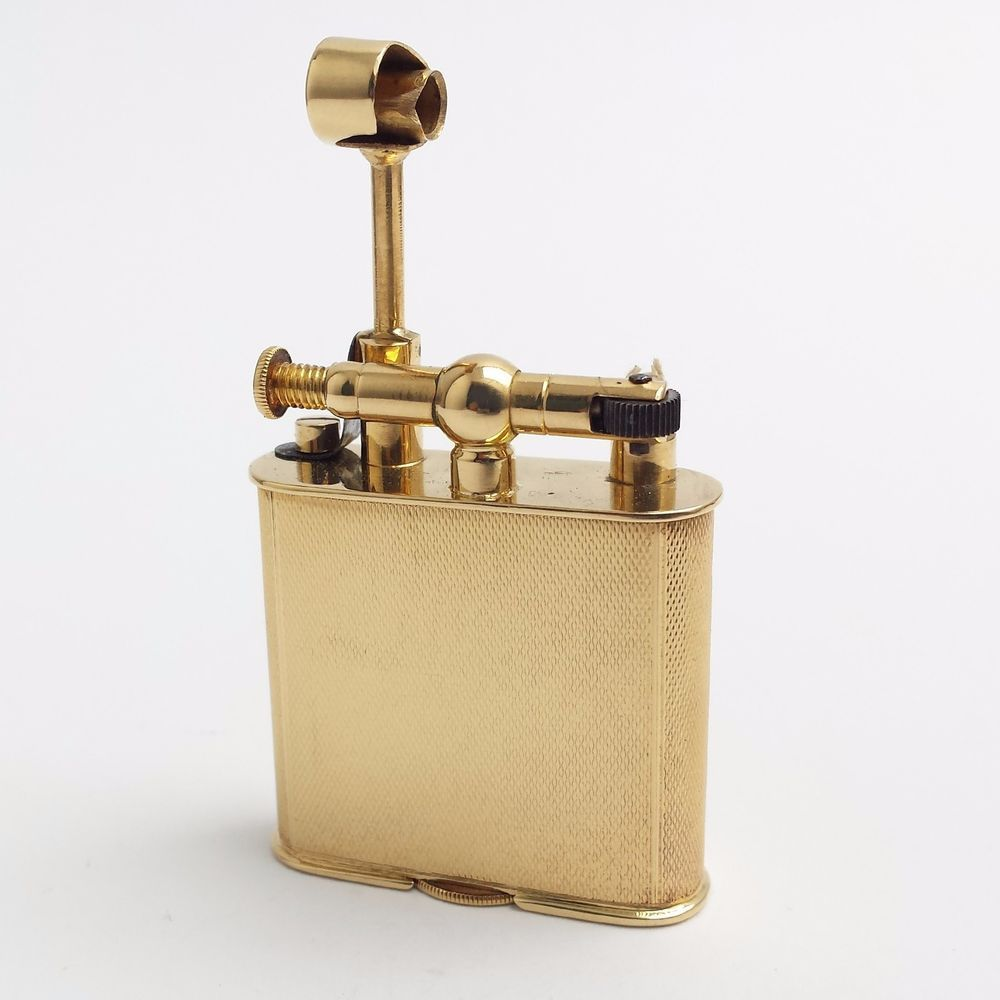 18K solid gold petrol/wick lighter, 1920 s, probably Sarastro, ret. by Ventrella