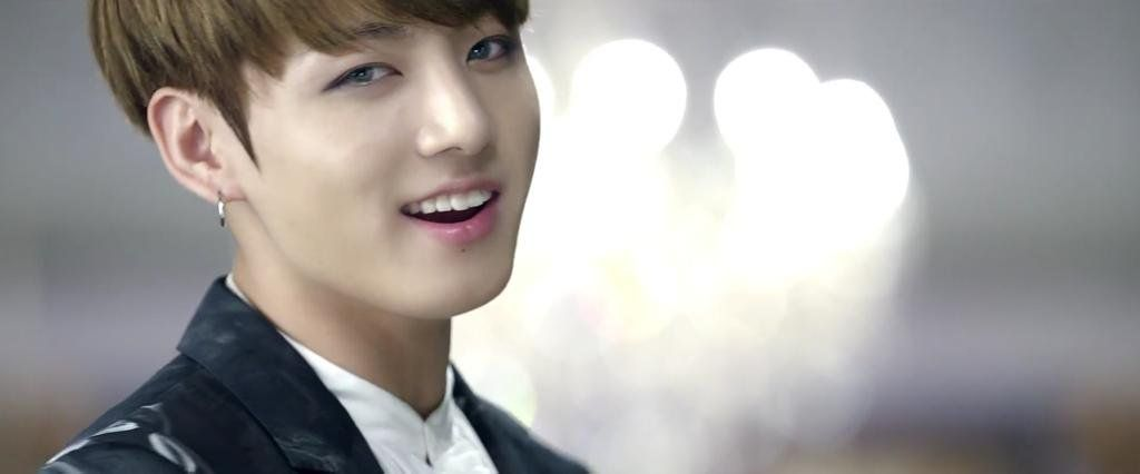 방탄소년단 (BTS) '피 땀 눈물 (Blood Sweat & Tears)' MV Jungkook
