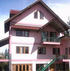 Lihat berbagai tempat luar biasa ini di Airbnb: Vila Di ...