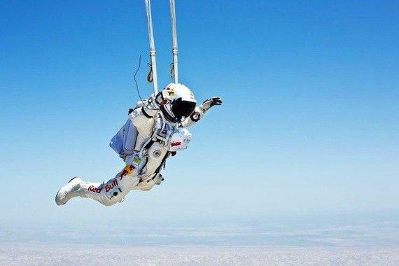 Skydiver Sets Date For Supersonic Edge Of Space Plunge Felix Baumgartner Skydiving Felix