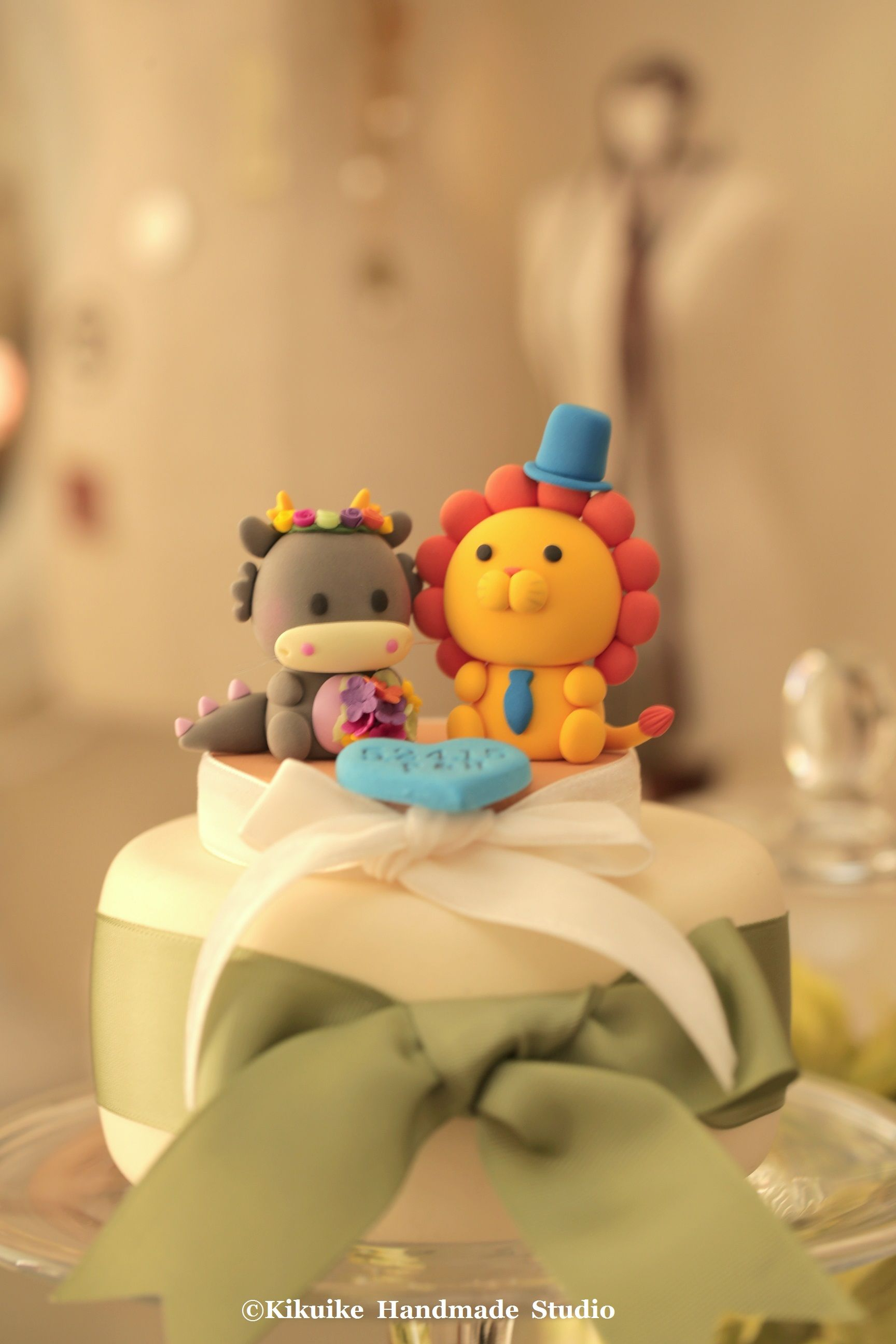 Handmade lovely Dragon and cute lion wedding cake topper | Cake ...