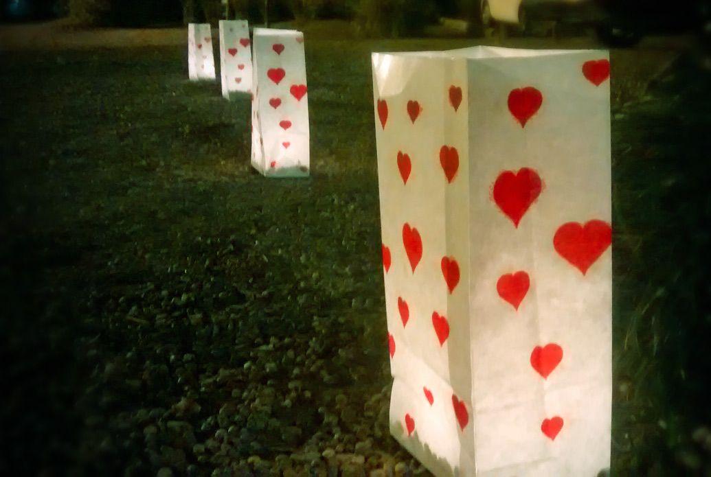 Para celebrar el #cumple30 de Andrea hicimos una decoración #RedParty inspirándonos en besos y corazones para toda la ambientación
