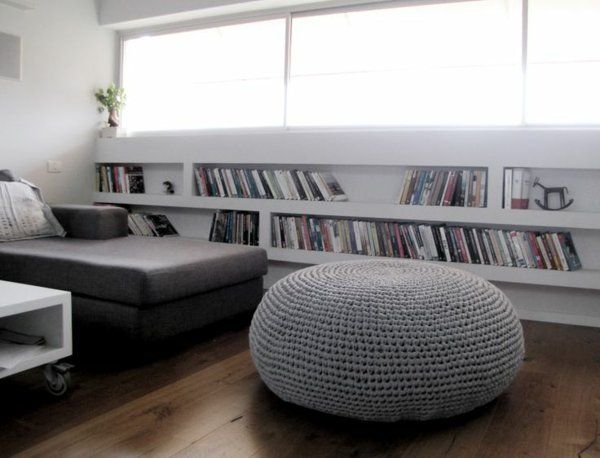 le pouf tricot un style cosy pouf couvertures en tricot et pouf rond. Black Bedroom Furniture Sets. Home Design Ideas