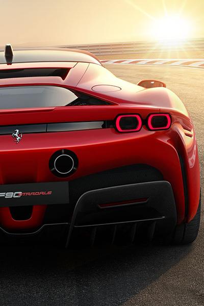 Les photos de la nouvelle Ferrari SF90 Stradale, une hybride rechargeable de 1000 chevaux
