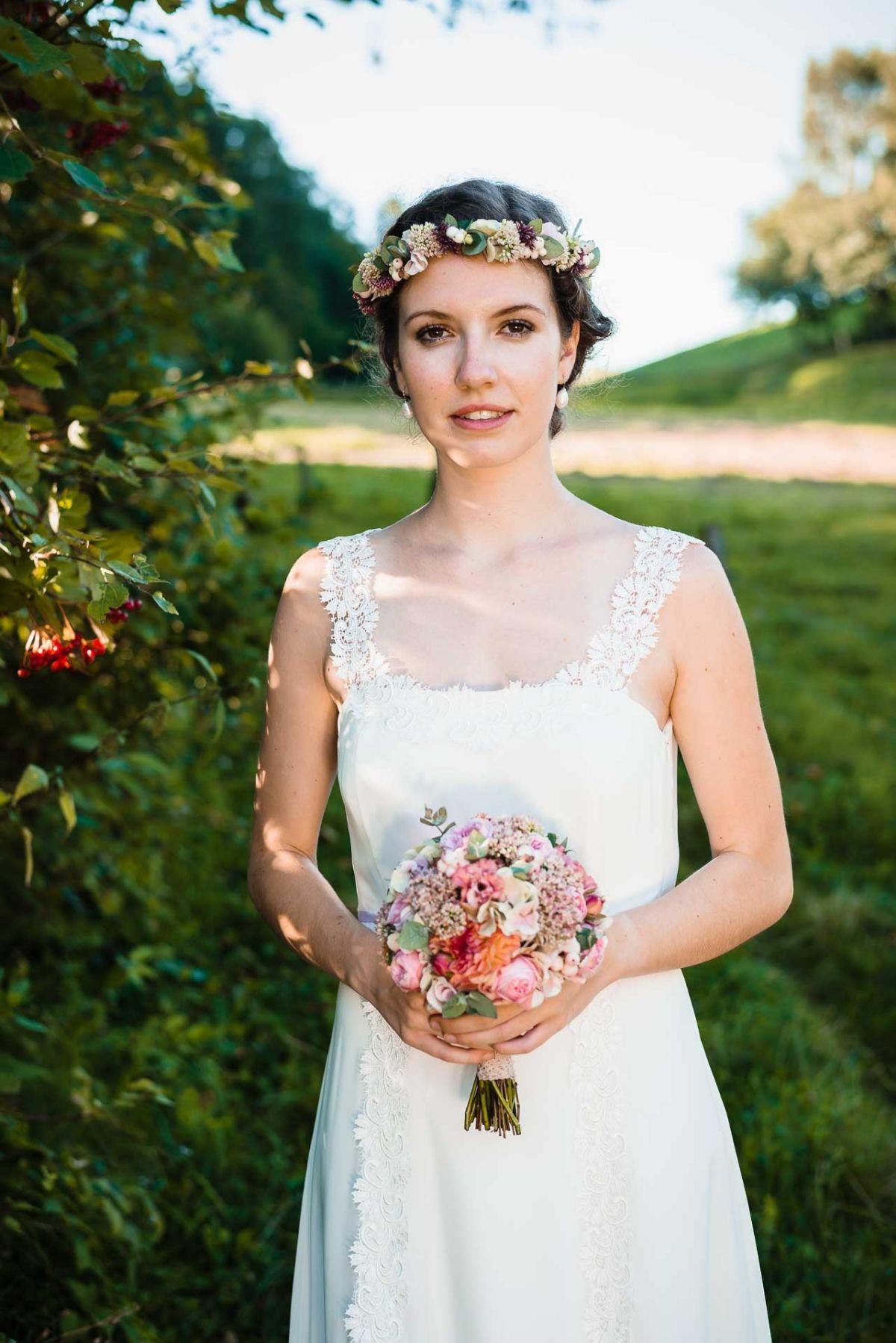 Ihr seid auf der Suche nach einem individuellen Brautkleid? Dann ...