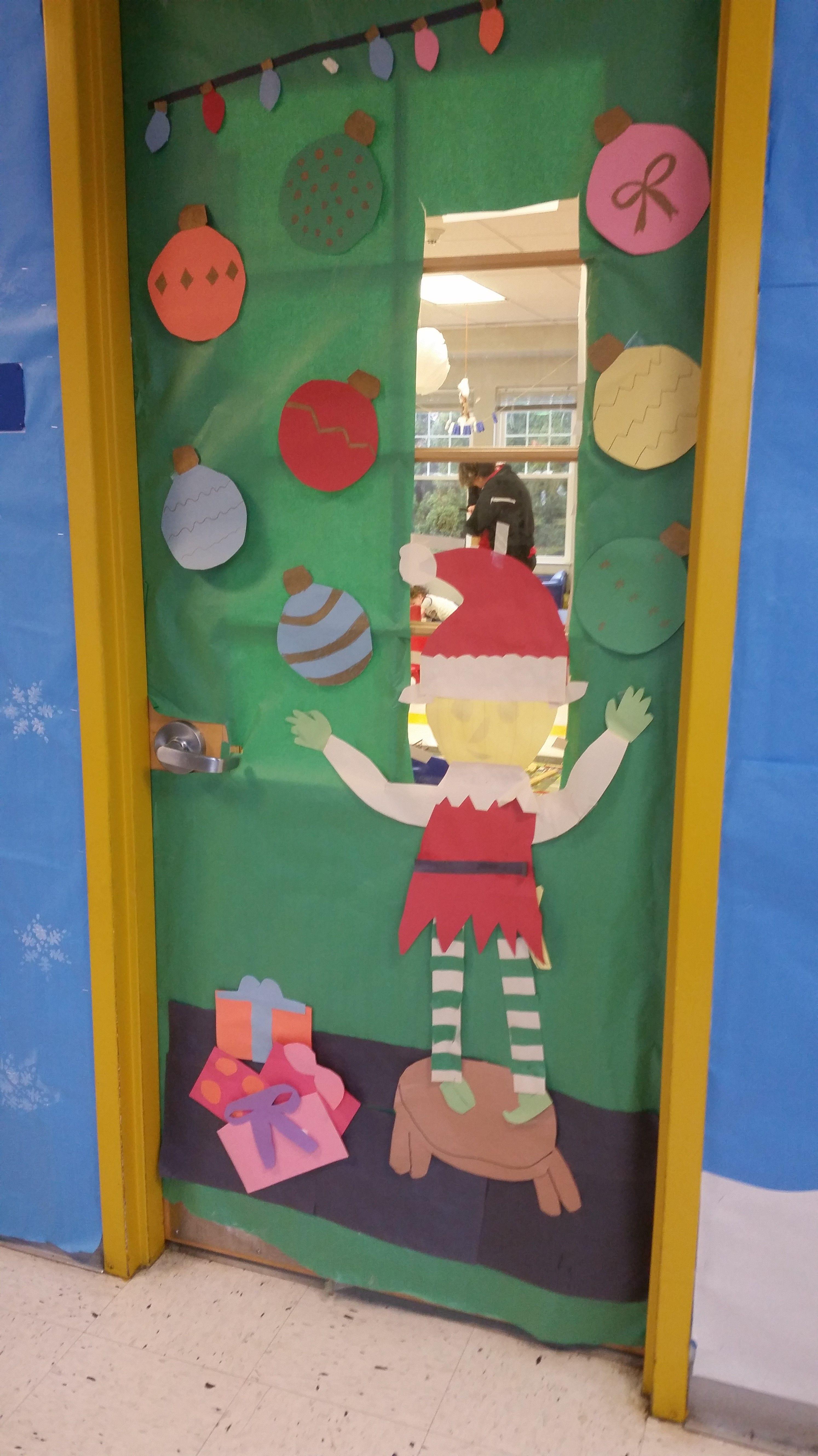 Play Learn Abington Pa Peeping Elf Winter Wonderland Door